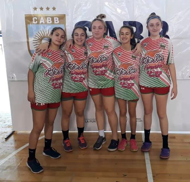 Con presencia de cinco jugadoras de C. del Uruguay, Entre Ríos subióal podio